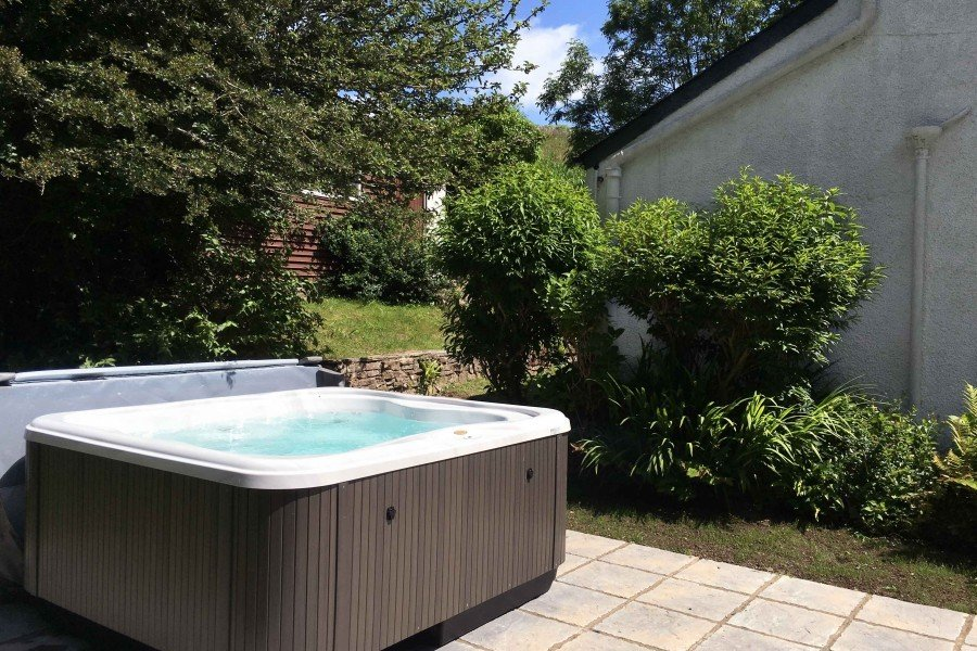 Timber Hill Cottage jacuzzi Hot Tub