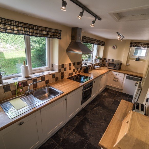 Timber Hill Cottage kitchen